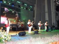 800px-PL_Czerwone_Gitray_-_Koncert_2009-11-27_43