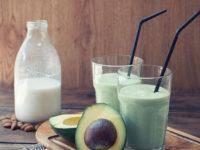 33024745 - avocado smoothie