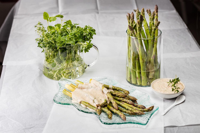 Zielone szparagi w aksamitnym kremie ziemniaczanym (2)