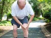 """Osteoporoza, choroba, która podstępnie """"zjada"""" kości."""