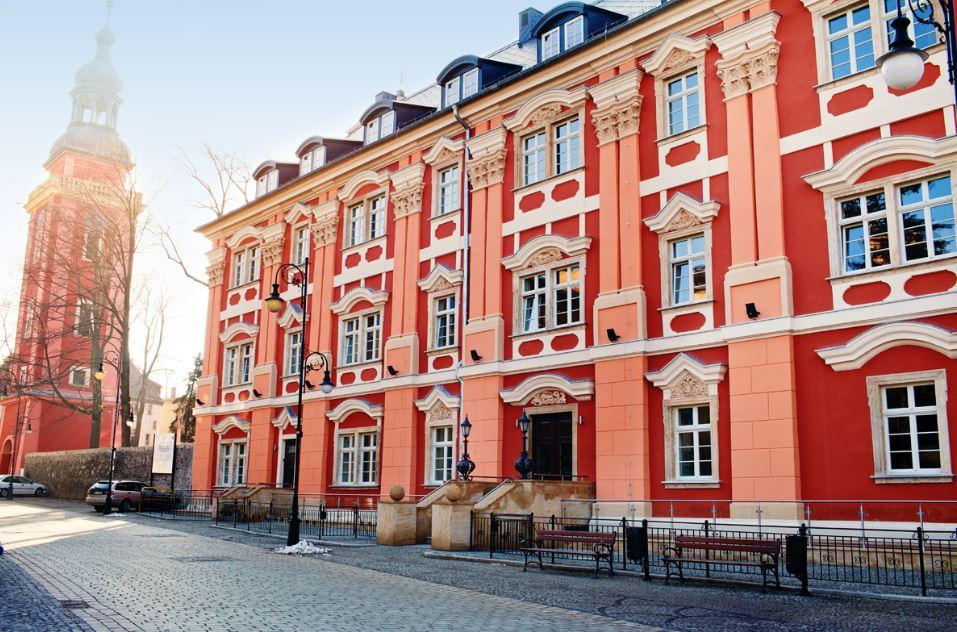 Uzdrowisko Cieplice - Długi Dom