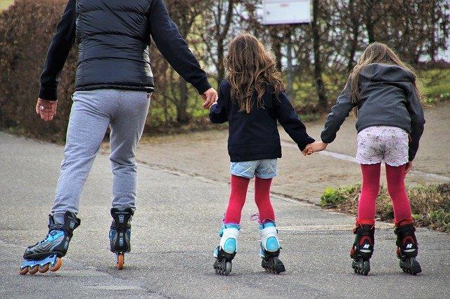 roller-skates-4032563_640