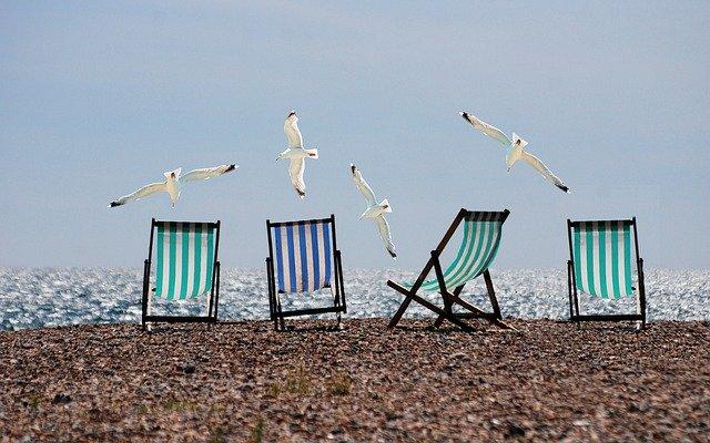 beach-814679_640